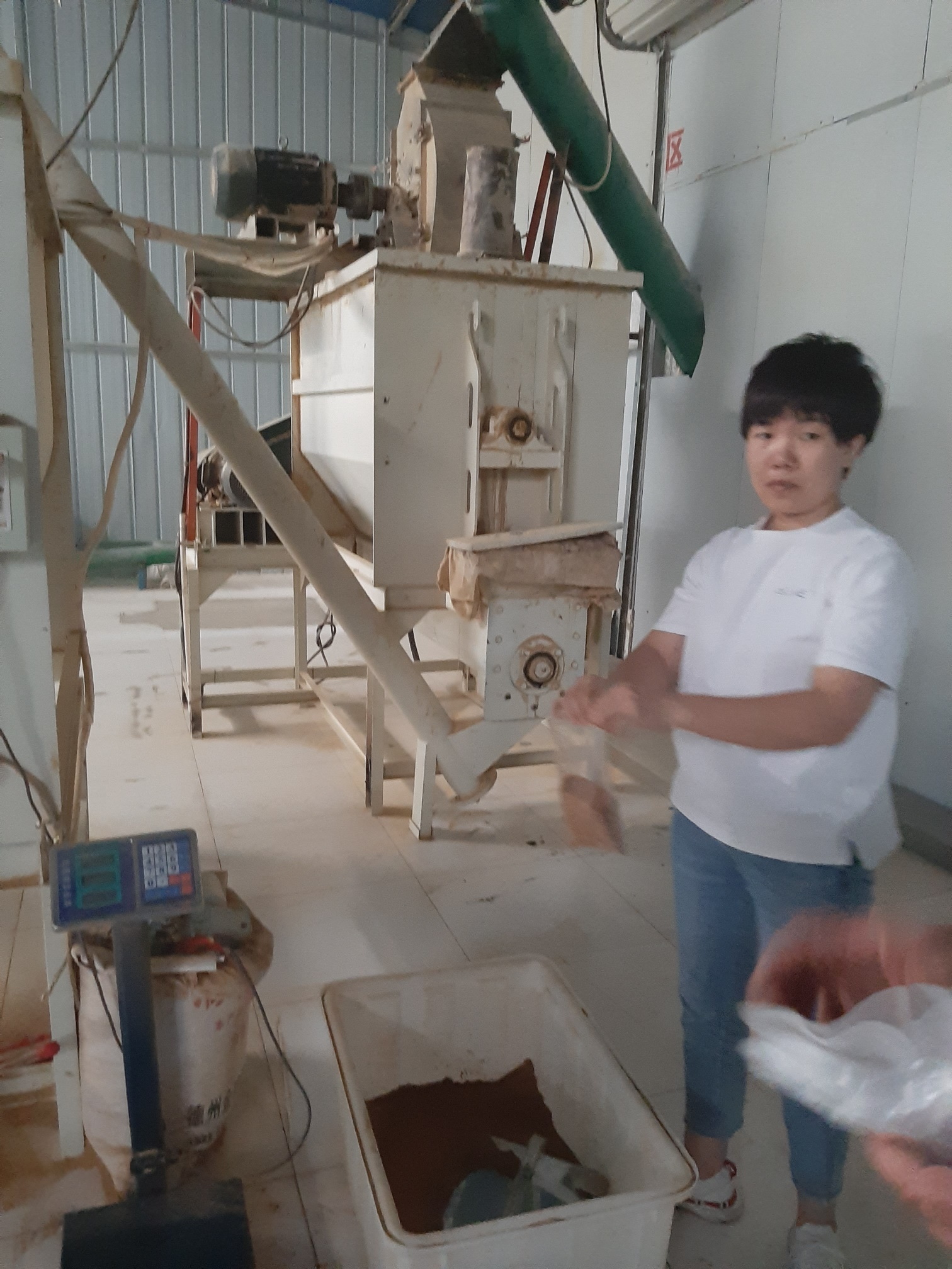 Производство муки из свиной щетины